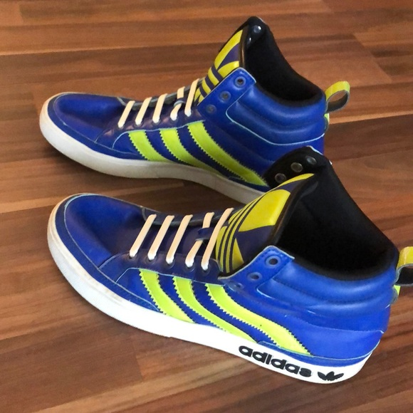 adidas Shoes   Mens Or Boys Size 85